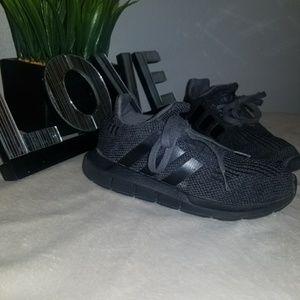 Adidas Swift Run Size 1Y